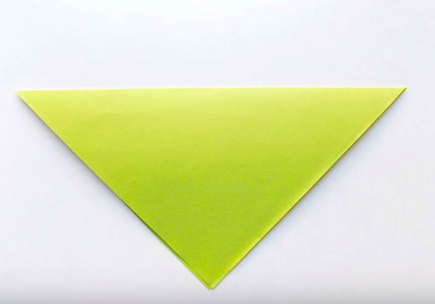 Лист бумаги свернуть по диагонали