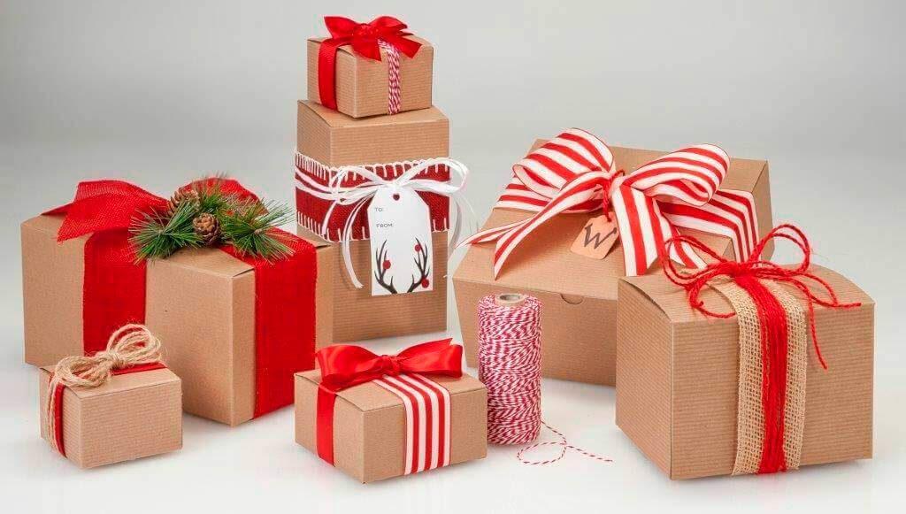 Бумажный подарчный пакет