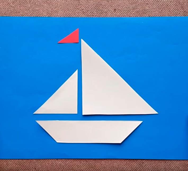 Кораблик из бумаги