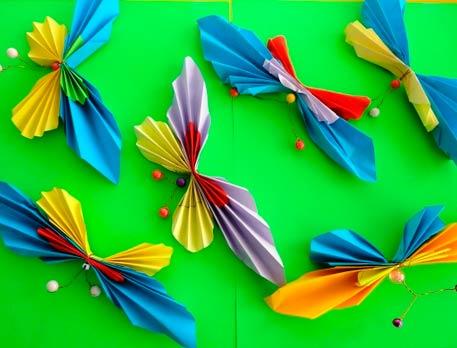 Бабочки гармошкой из бумаги