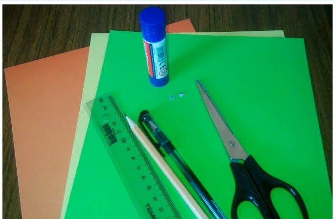 цветная бумага, ножницы, линейка карандаш, клей и ручка