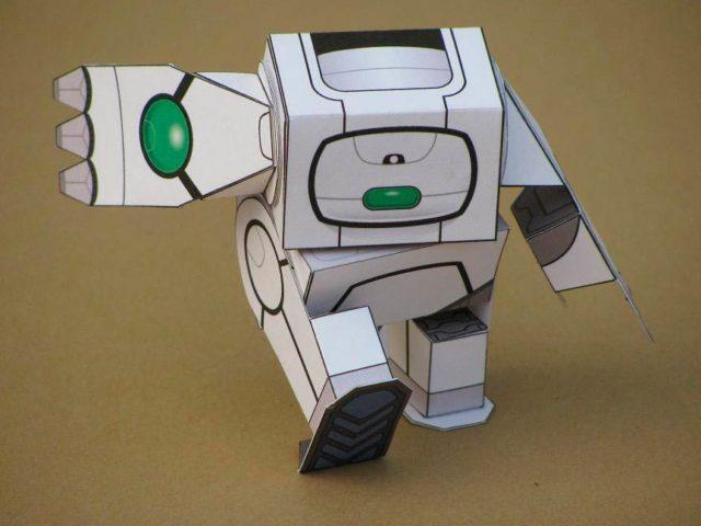 Робот, у которого шевелятся руки и ноги