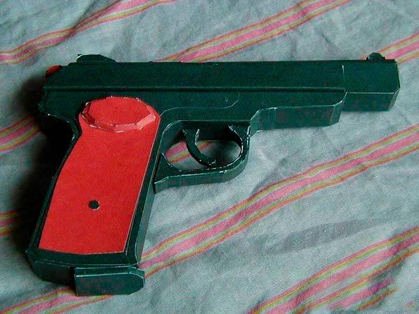 Макет пистолета Макарова из бумаги