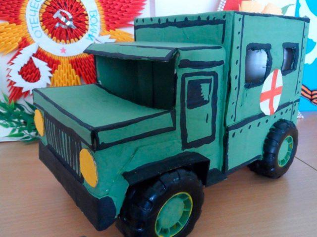 Макет санитарного военного грузовика