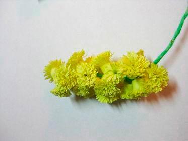 Создание цветов мимозы оригами