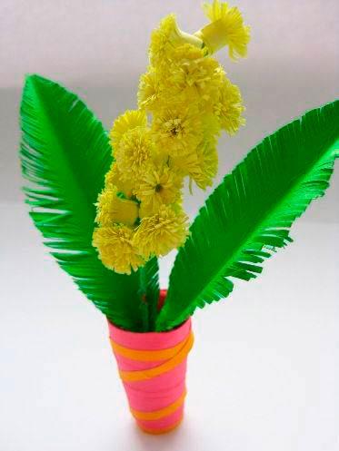 Цветок мимозы оригами в горшке
