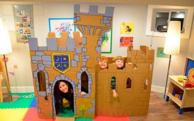 Большой замок из картона