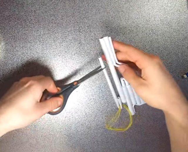 Пистолет из бумажных трубочек