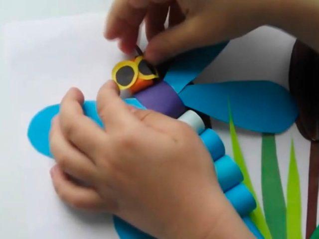 Аппликация из бумаги - стрекоза