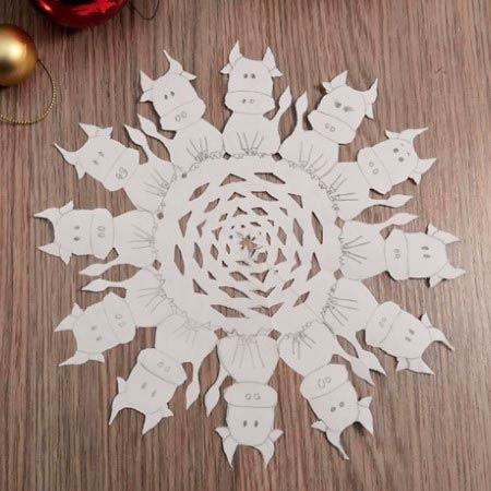 Снежинка с формами бычков