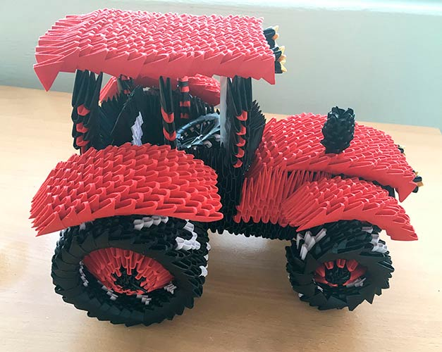 Трактор в технике модульного оригами