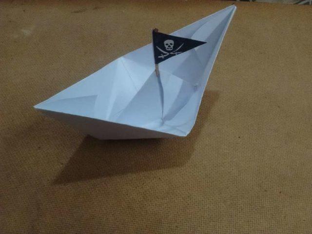 Кораблик пиратский
