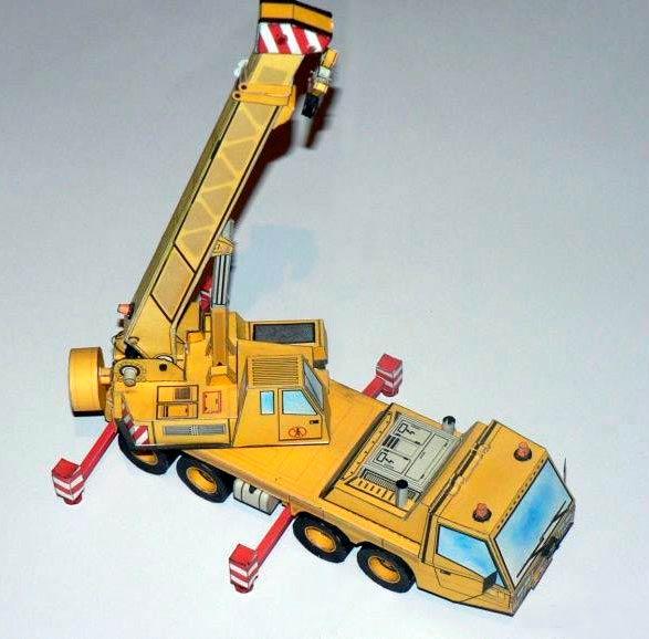 Модель строительного крана из бумаги