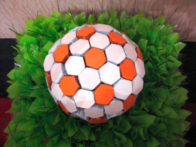 Футбольный» мяч из бумаги