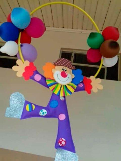 Клоун из картона
