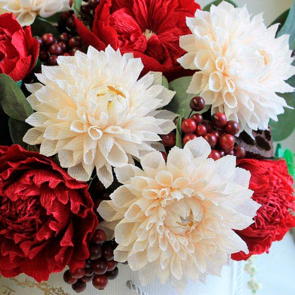 Цветы георгины иг гофрированной бумаги