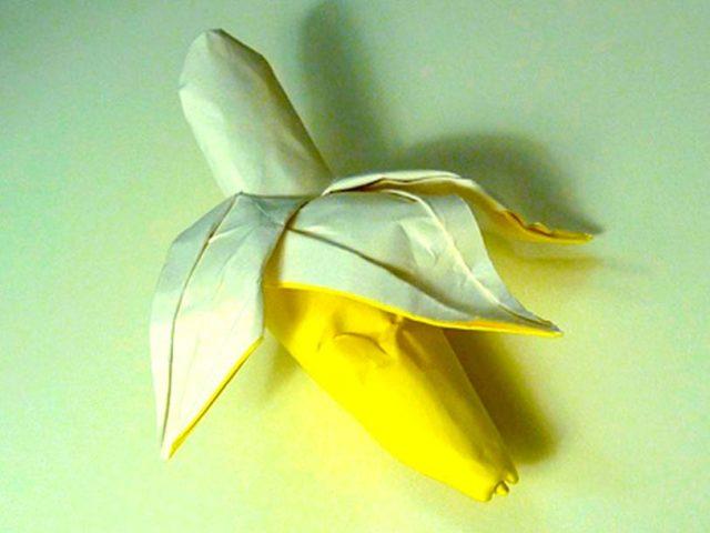 Оригами банан