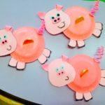 Свиньи из бумажных тарелок