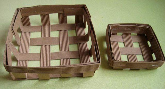 Плетеная корзина из гофрокартона сделанная своими руками