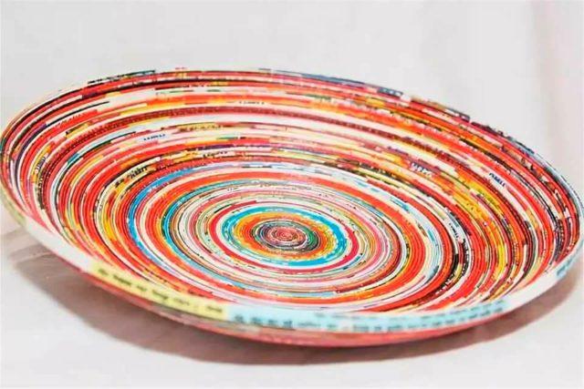 Африканская тарелка из бумажных трубочек