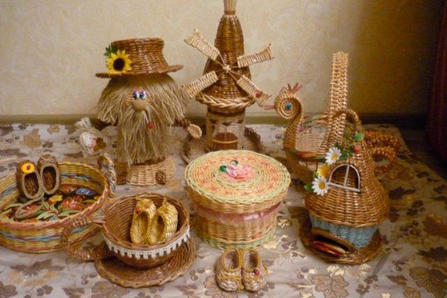 Сувенирные изделия из бумажных трубочек