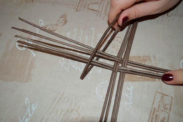 Плетение бумажными трубочками