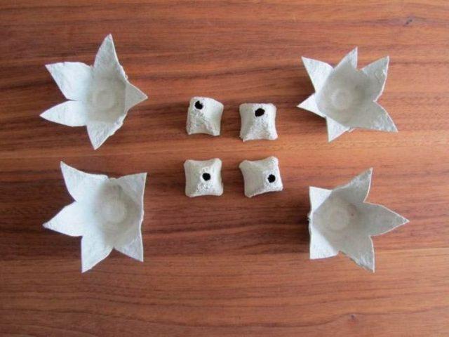 Создание цветов из картонных ячеек