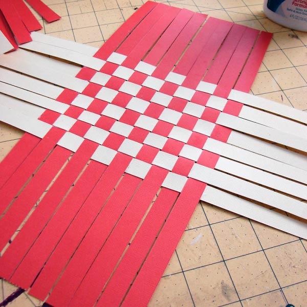 Как плести из бумажных полосок