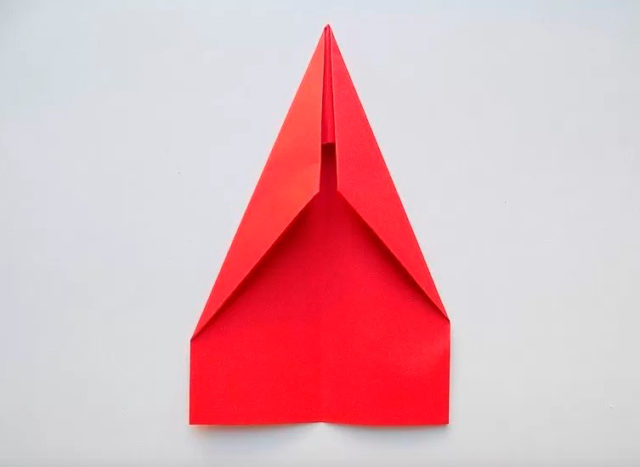 Складываем копье из бумаги