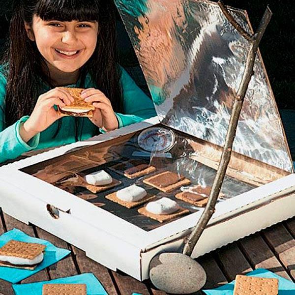 Плита на солнечной энергии из коробки от пиццы