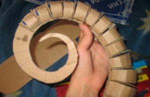 Как делать рога из картона