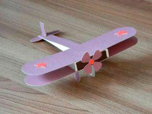 Самолетик из картона