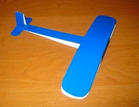 Делаем самолетик из картона